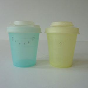 salt et pepper Tupperware vintage 1