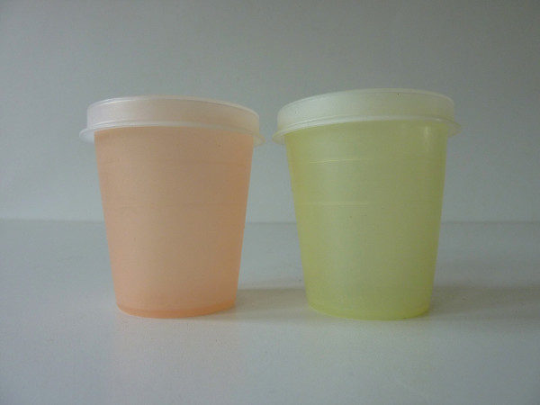 salt et pepper Tupperware vintage 4