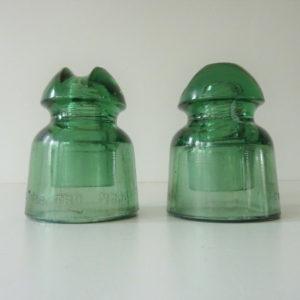 2 anciens isolateurs L'électro verre Modèle 22