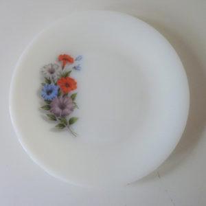 Assiettes Arcopal motif Liserons 70's