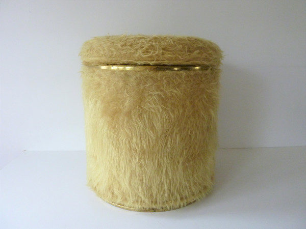 pouf moumoute seventies moutarde