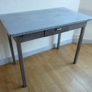 table de cuisine en métal plateau émaillée