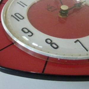 horloge murale formica rouge japy cadran