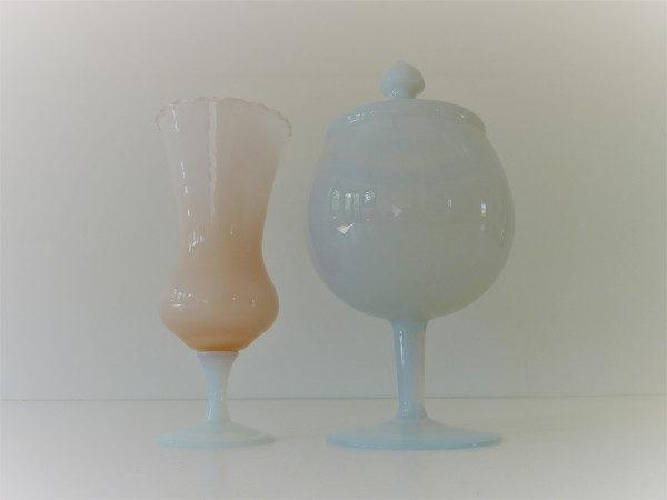 vase et boite en opaline vintage