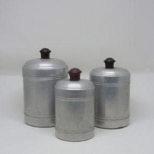 3 boites en fer blanc