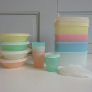 Lot Tupperware pastel vintage