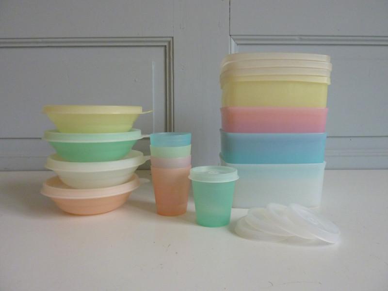 Lot Tupperware pastel vintage