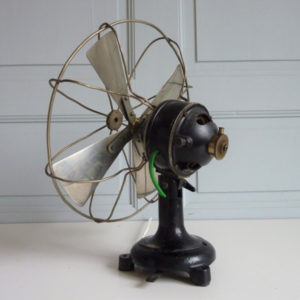 ventilateur de bureau fonte années 30-40