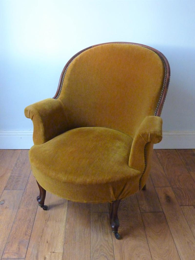 fauteuil crapaud napoleon 3 velours moutarde