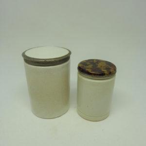 Anciens pots à pommade en terre vernissée