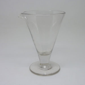 Verre verseur ancien verre soufflé