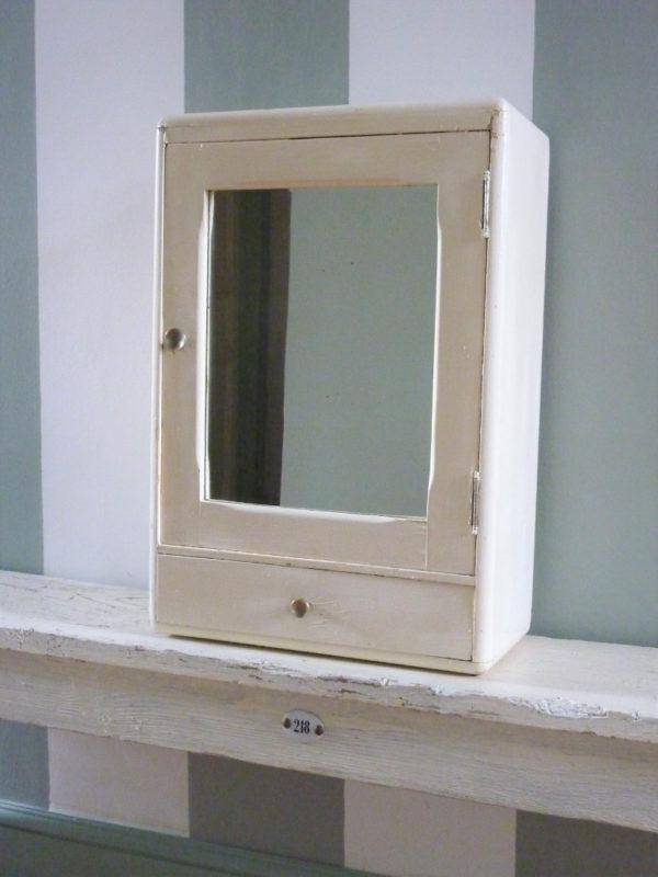 armoire à pharmacie beige ancienne miroir georgette