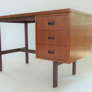 Bureau bois 3 tiroirs vintage