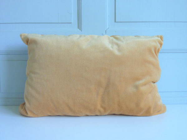 coussin rectangle velours doré pliage vintage
