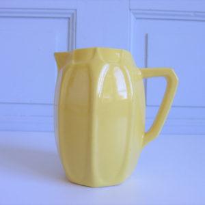 Pichet St Clément jaune pastel